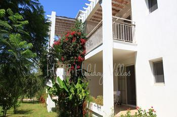 2 Bedroomed HolidayApartment In a Complex and Close to the Beach in Ortakent