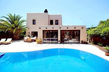 3 Bedroomed Holiday Villa to Rent with Private Swiming Pool and Garden in Bodrum Bitez