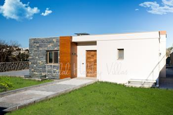 Detached Luxury Villa in Yalikavak for up to 10 People