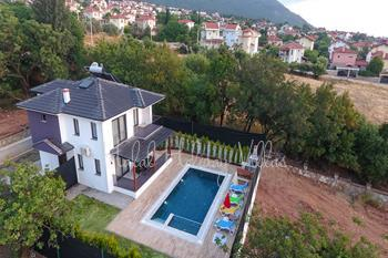 Detechad Villa in Ovacık For up To 4 People