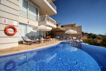 %80 Secluded Holiday Home In Kalkan